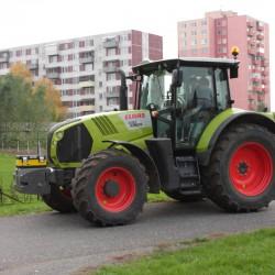Nový školský traktor CLAAS